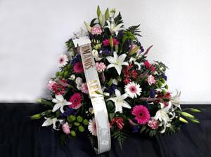 Centro funerario realizado en Floristería Yedra en Santander.